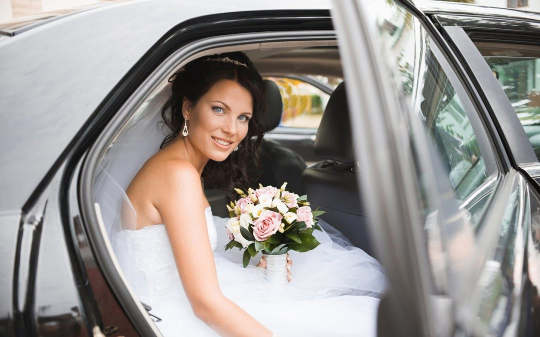 Arrive in Style: 7 Reasons You Should Use Professional Wedding Transportation